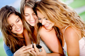 attract women on dating apps